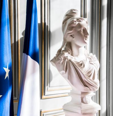 Publication au JO de la loi confortant le respect des principes de la République